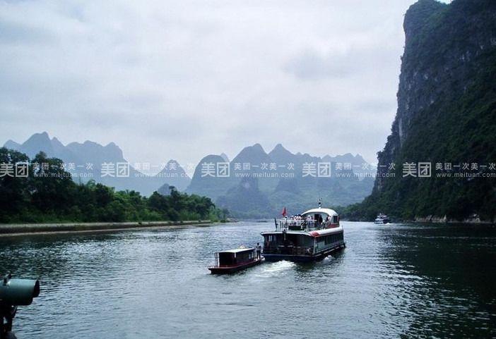丽泽桥,阳桥,玻璃桥等名桥,还可观到日月双塔(外景),湖心岛建筑,系舟