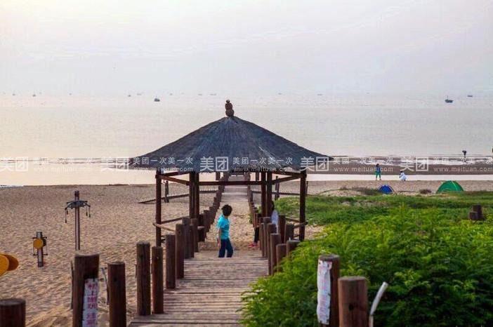 下午可自费游览秦皇岛野生动物园或海滨自由活动!