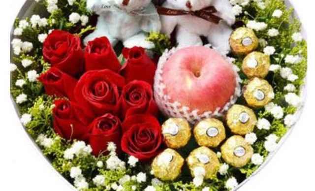 百佳鲜花圣诞节花束,提前预定当天送达! 11支玫瑰加11颗巧克力