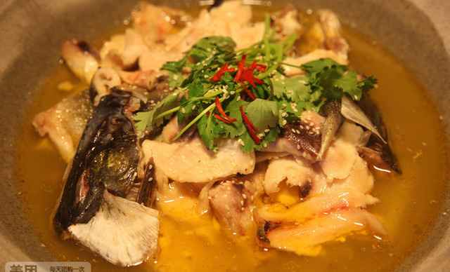 木头石锅鱼餐厅