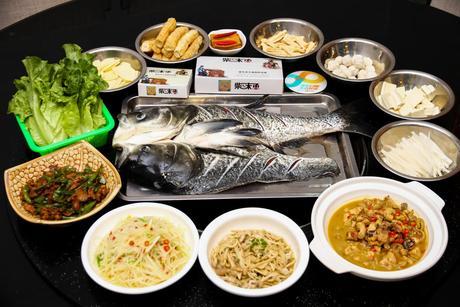 :长沙今日团购:【窑岭/长岭】柴味鱼餐馆仅售298元!最高价值388元的8-10人套餐,提供免费WiFi。