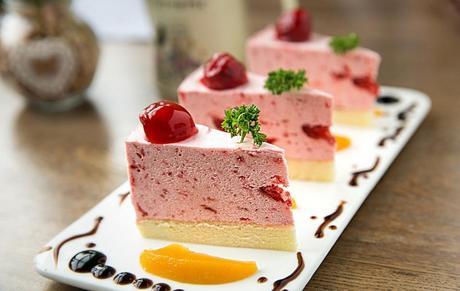 :长沙今日团购:【易初莲花】芭曲酸奶冰淇淋仅售8.8元!价值16元的甜品5选1,建议单人使用,提供免费WiFi。