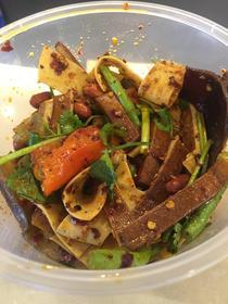 :长沙今日团购:【东塘】坛小姐泡菜仅售23.9元!价值25元的泡菜大集合1份,提供免费WiFi。