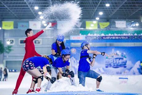 :长沙今日团购:【全国】三只熊冰雪王国2小时日场滑雪门票(双人票)三只熊冰雪王国2小时日场滑雪门票(双人票),购买2小时后可用