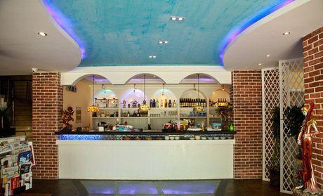 曼岛咖啡酒吧主题会所:棋牌室,免费赠送4杯咖啡/茶水