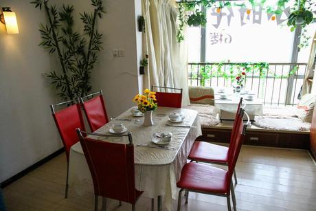 :长沙今日团购:【坡子街】小时代家厨青年餐厅仅售278元!最高价值344元的6~8人餐,提供免费WiFi。