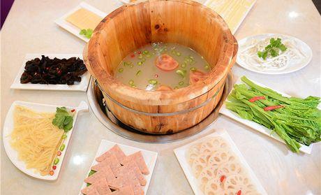 【成都张记雅安木桶鱼团购】张记雅安木桶鱼6-8人餐