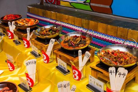 :长沙今日团购:【步行街】山香水湘菜自助餐厅仅售39.8元!价值50元的湘菜午餐自助,提供免费WiFi。