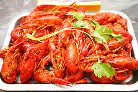 :长沙今日团购:【劳动广场/书院路】忆口香龙虾仅售180元!最高价值265元的3-4人餐,提供免费WiFi。