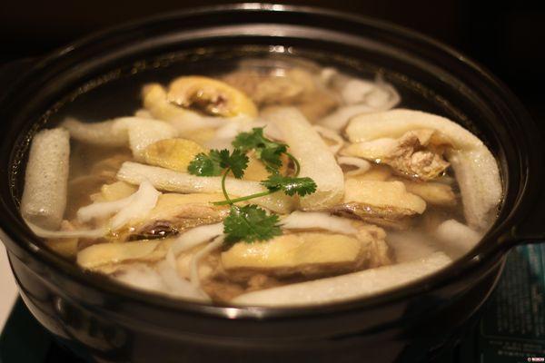 俞臻椰子鸡馆(福田市场店)
