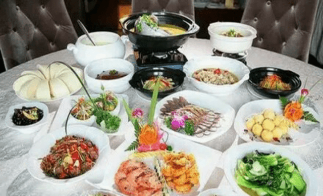 :长沙今日团购:【诺博美誉酒店中餐厅博雅Restaurant】6-8人套餐,提供免费WiFi