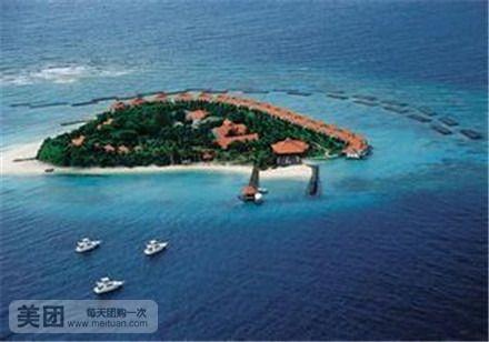 早餐后前往码头搭乘快艇来到安达曼海域渡假【珊瑚岛】,面积约一