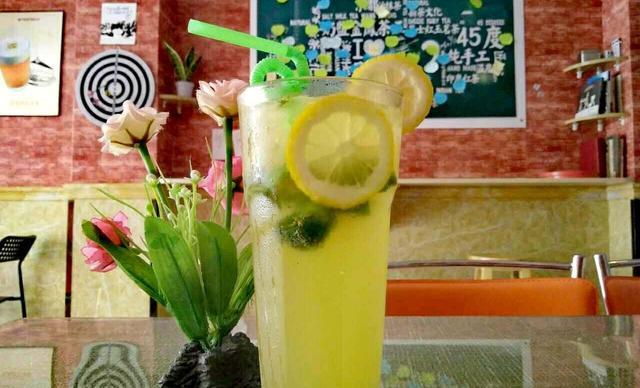 :长沙今日团购:【rosy tea皇茶】鲜桔柠檬1杯,提供免费WiFi