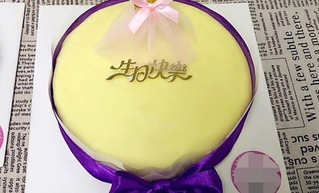 :长沙今日团购:【小小嘟烘焙】榴莲千层1个,约8英寸,圆形