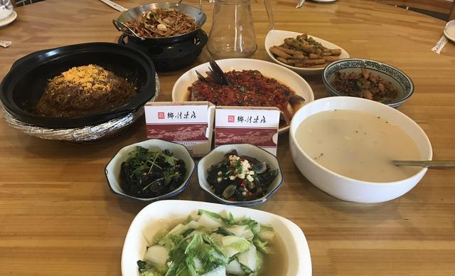 :长沙今日团购:【乡村柴房】6-8人餐,包间免费,提供免费WiFi