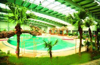 【双阳区】御龙温泉节假日周末室内水上乐园门票成人票-美团