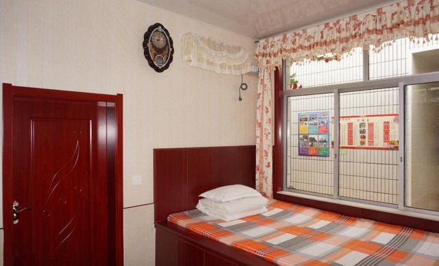 火炕卧室设计图图片