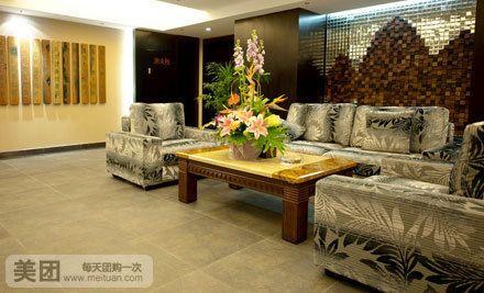 桂林山水及广西民俗元素,融合艺术,文化和绿色环保意识的桂林百悦酒店