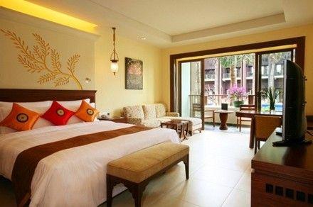 中国的第一家度假酒店,东南亚建筑风格,成立于2008年,是一家引