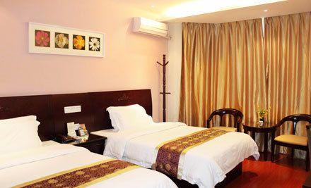 高级双人房/高级大床房2选1,节假日通用