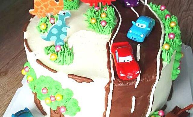 :长沙今日钱柜娱乐官网:【榴芒兔蛋糕坊】汽车总动员生日蛋糕1个,约10英寸,圆形