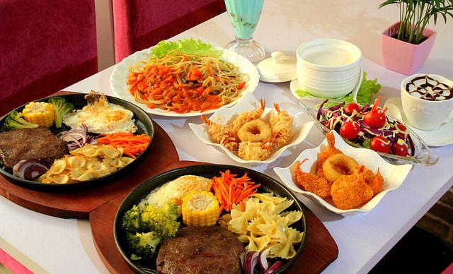 【泰安宝龙美食广场美食】鹤庆城市的图片