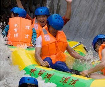 【龙门县】水帘洞漂流全程漂流家庭票(2大1小)-美团