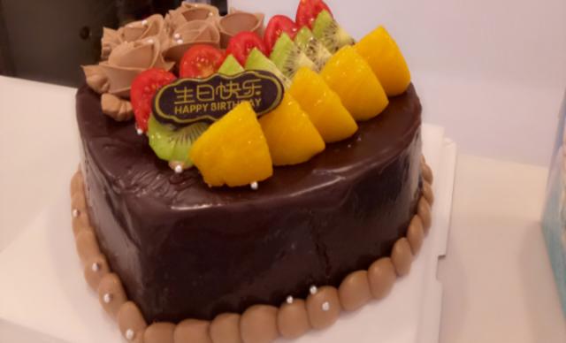 :长沙今日钱柜娱乐官网:【爱礼蛋糕】8英寸脆皮巧克力蛋糕1个,约8英寸,心形