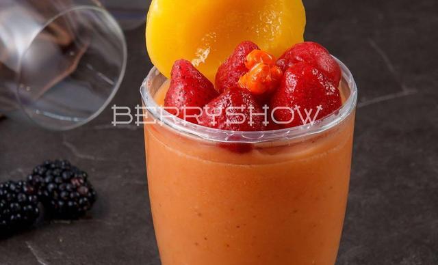 :长沙今日团购:【莓兽极寒境莓果现榨】同执鹿角(草莓、沙棘果、黄桃)1杯