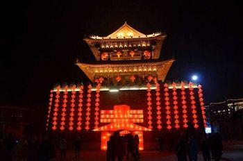 【沈阳出发】关东影视城1日跟团游*盛京灯会-美团