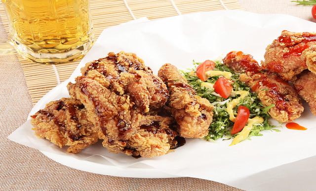 :长沙今日钱柜娱乐官网:【The Big Chicken】太鸡火锅全鸡套餐,建议4-5人使用,提供免费WiFi