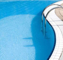 东山花园游泳池