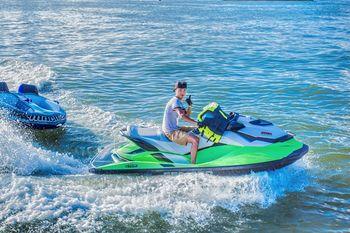 【合正东部湾】金帆海世界游艇俱乐部庞巴迪摩托艇票-美团