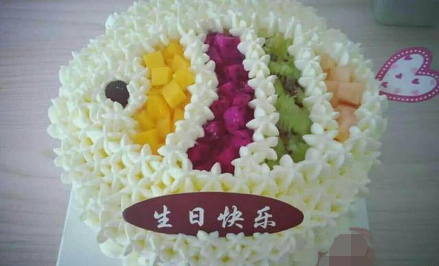 黄豆私房烘焙6寸蛋糕,仅售88元!价值158元的6寸蛋糕1个,约6英寸,圆形。
