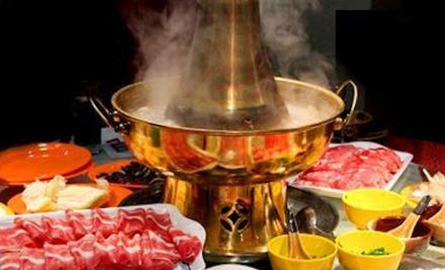 北平往事铜锅涮肉炙子烤肉2人餐,仅售118元!最高价值149元的北平火锅2人餐,提供免费WiFi。