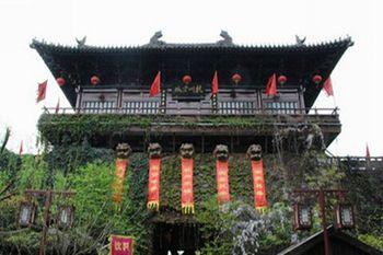 【上海出发】周庄古镇水巷游船、苏州园林、西湖3日跟团游*三重水乡 三种体验-美团