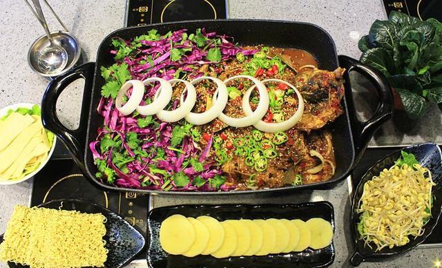【苏宁广场】小尾羊国际连锁店烤鱼套餐,建议2-4人使用,提供免费WiFi