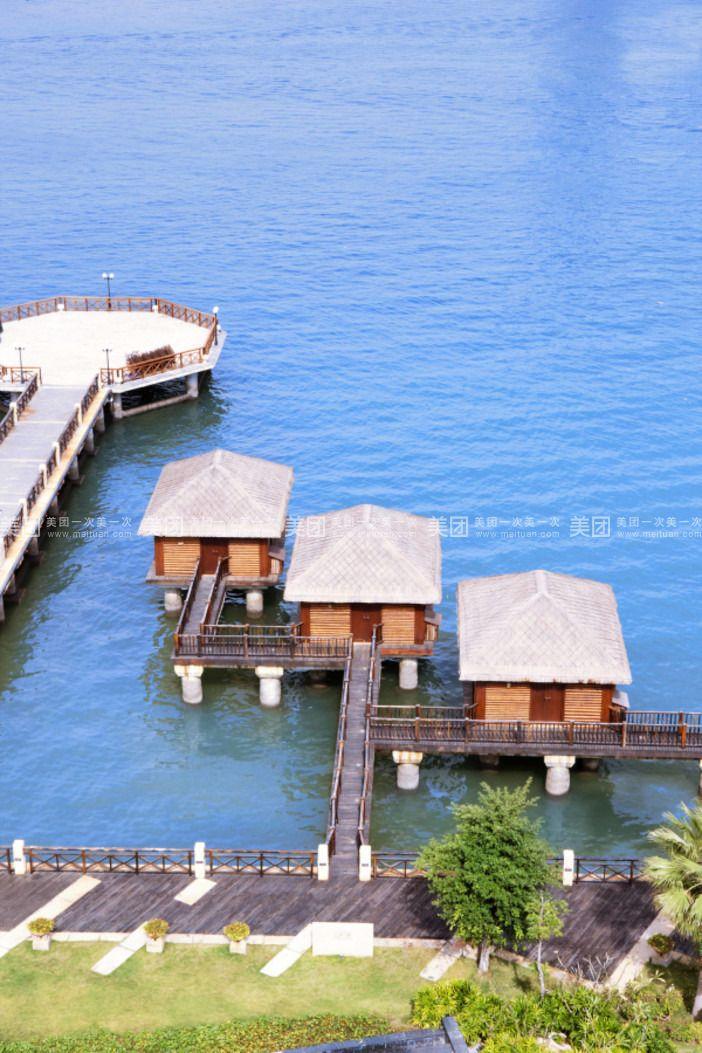 三亚海边木屋酒店