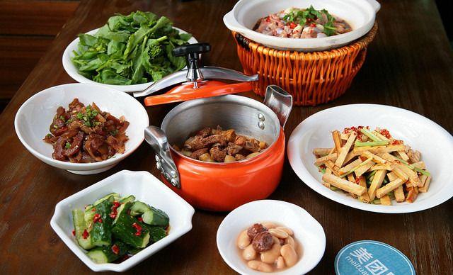 :长沙今日钱柜娱乐官网:【饭菜真湘】美味6人套餐,提供免费WiFi