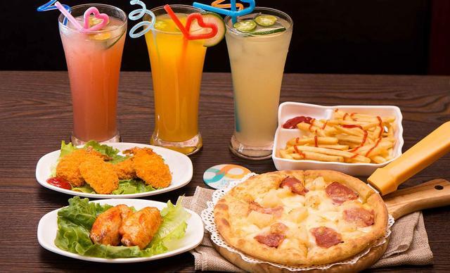 【let's pizza】双人披萨套餐一份,提供免费WiFi