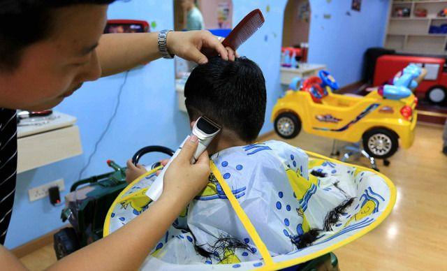 童星专业儿童理发
