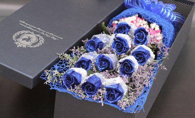 花火鲜花全城速递A级11朵蓝色妖姬礼盒一束,春节、情人节、生日送花。 送女朋友、老婆、闺蜜朋友、领导鲜花礼物礼品。 专人专车配送,仅售168元!价值388元的A级11朵蓝色妖姬礼盒一束,春节、情人节、生日送花。 送女朋友、老婆、闺蜜朋友、领导鲜花礼物礼品。 专人专车配送上门,免费送贺卡。可以随意搭配【下单后最早2-3小时送达 】,提供免费WiFi