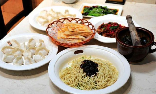 :长沙今日团购:【北大荒饺子馆】精品美味套餐,建议4-5人使用,提供免费WiFi