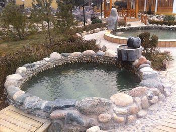 【盂县】阳泉大汖温泉+水上乐园套票(成人票)-美团