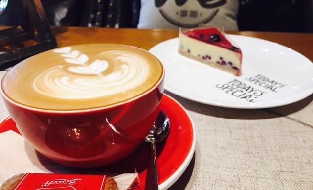WE COFFEE 唯咖咖啡单人餐,仅售39元!最高价值55元的单人咖啡+甜品惬意套餐,提供免费WiFi。
