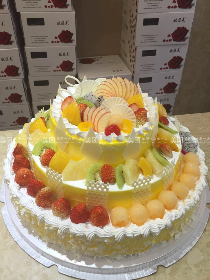 三层欧式水果蛋糕b