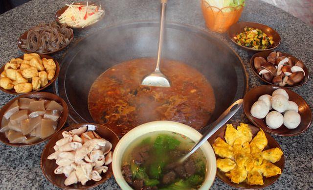 【费县柴火鸡】包间8人餐,食品免费,提供免费益美味美秀山图片