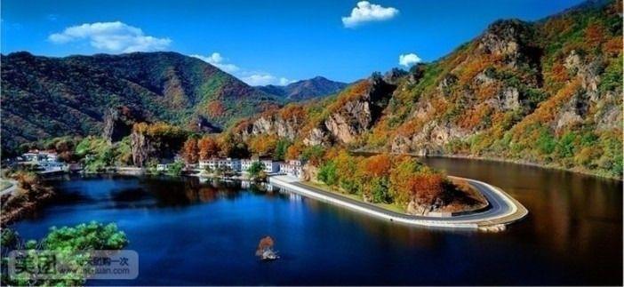 天龙洞风景区座落在山清水秀的本溪满族自治县小市镇境内,距世界