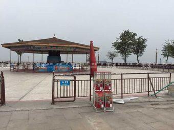 滨江公园心动溜冰场