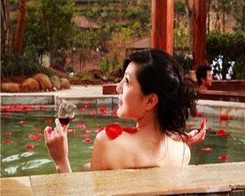 【泉州出发】龙佳温泉、云洞岩纯玩1日跟团游*带上伙伴一起泡温泉-美团